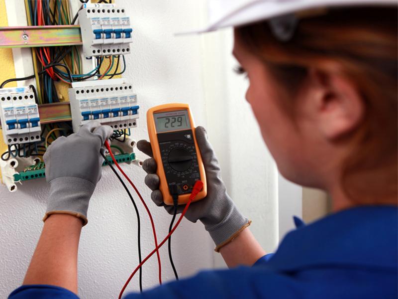 Techniker Service und Qualität (m/w)