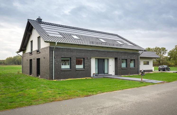 SCM Energy GmbH Salzwedel,  Anwendungsbeispiel: Haus von Stefan Korneck (Geschaeftsfuehrender Gesellschafter  von SCM Energy GmbH) in Salwedel  Foto: Hans-Rudolf Schulz